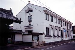 富田幼稚園 園舎全景